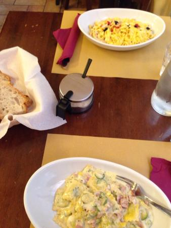 Food - Trattoria La Ghiotteria: Ravioli speck e zucchine e fettuccine con salmone e uova di lompo😍😍😍😍 buonissimoooo!