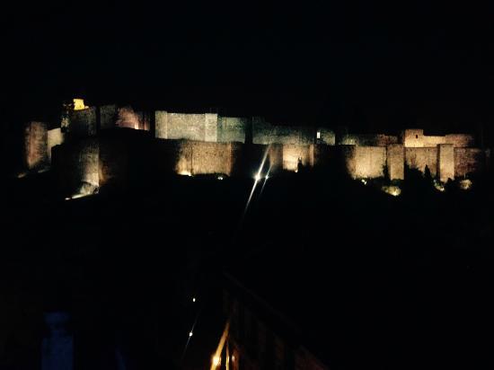 Vistas De La Alcazaba Desde La Terraza Chill Out Del Hotel