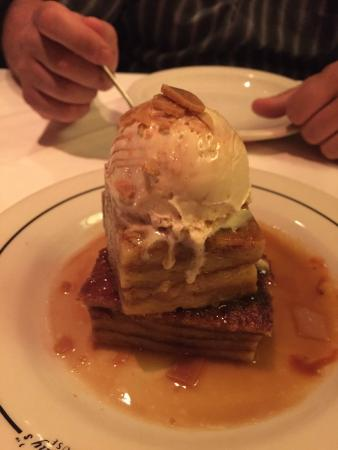 Vic & Anthony's Steakhouse - Las Vegas: Best bread pudding we ever had