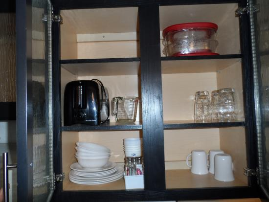 Candlewood Suites Clearwater: Fully Stocked Kitchen