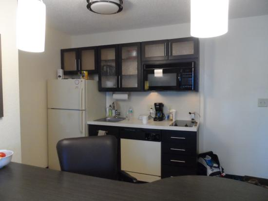 Candlewood Suites Clearwater: View of Kitchen Area