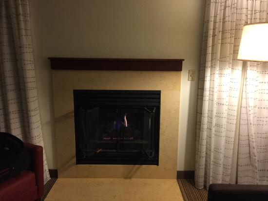 Residence Inn Madison East : Fireplace with timer 3rd floor 2 bedroom suite