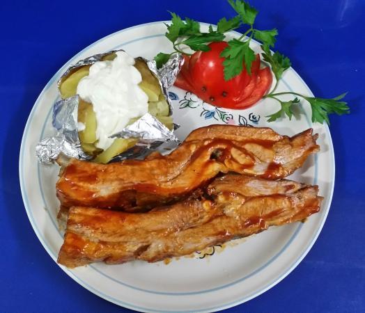 Manne's Biergarten: Wednesday Porc Ribs Special