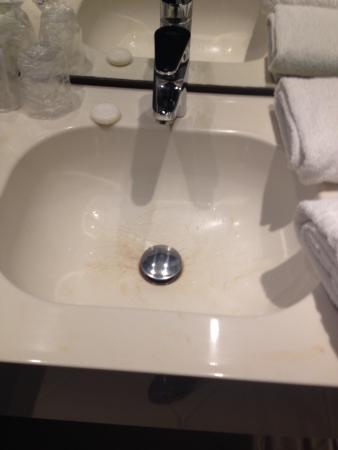 Kyriad Lille Centre - Gares: Vasque Salle de bain