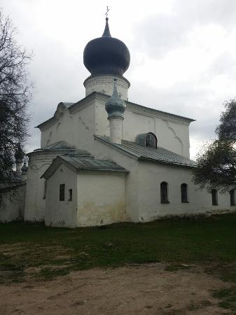 Temple of Assumption (Paromeniye)