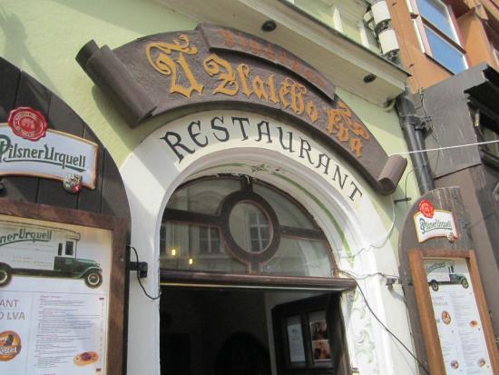 U Zlateho Lva: Entrance to the restaurant (ground floor)