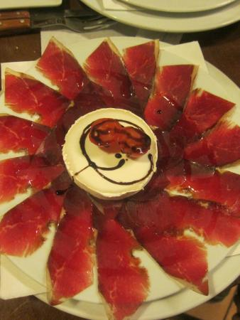 Casa Pepe: A plate of iberico meat and goat cheese
