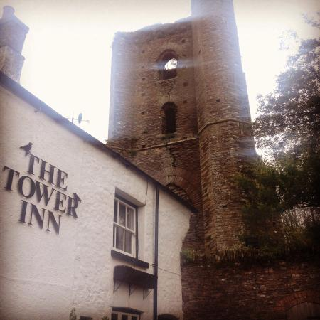 The Tower Inn : Misty Tower