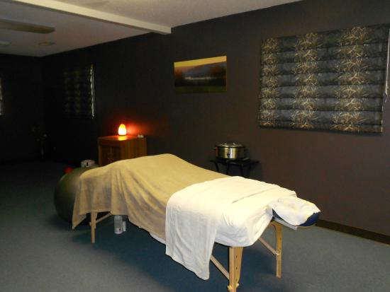 Handprints Therapeutic Massage