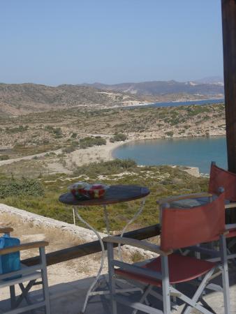 Milos Achivadolimni: Vista della Baia dalla Piscina