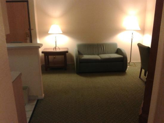 Fortune Hotel & Suites: Suite area