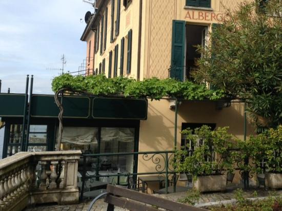 Albergo Ristorante Fioroni: Restaurant and hotel.
