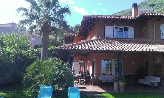 Villa di Giorgi: maison et terrasse