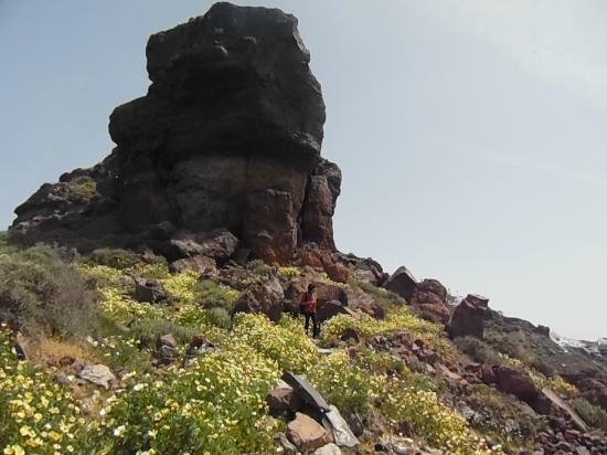 At the bottom of Skaros Rock. - Picture of Skaros Rock ...