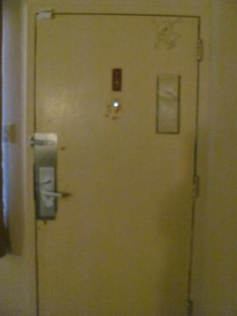 Americas Best Value Inn Roswell: Inside of door