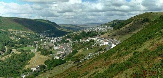 Skirrid Mountain Inn: The valleys