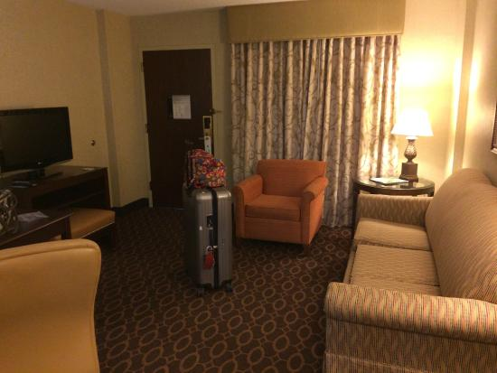 Embassy Suites by Hilton Charlotte: Overhead