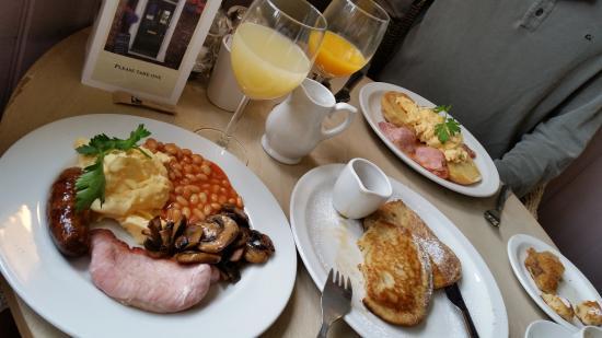 Hayden's: HUGE breakfast - pancakes were devine