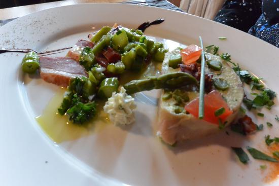 Gasthaus Schlussel : Terrina agli asparagi con petto d'oca