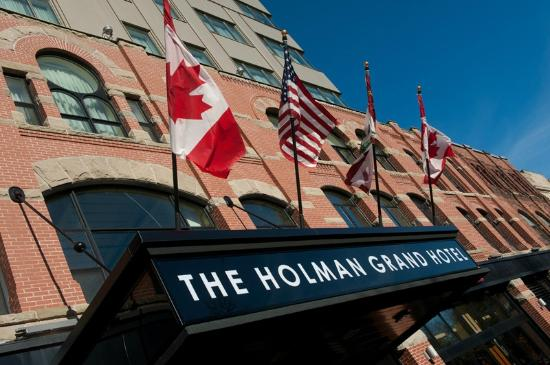 The Holman Grand Hotel: Located in the heart of downtown