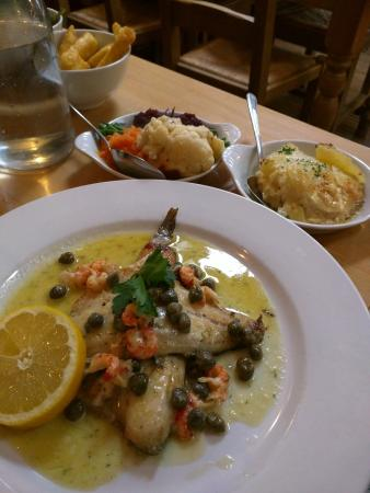 Rose Tree Restaurant: Sea bass with capers and crayfish