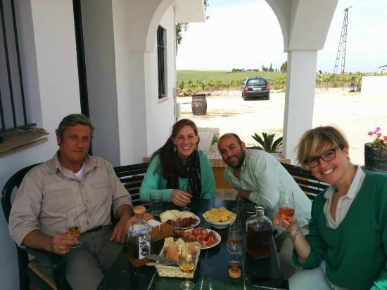 Spirit Sherry Enoturismo: Lunch with Bustillo, Eduardo & Cecilia