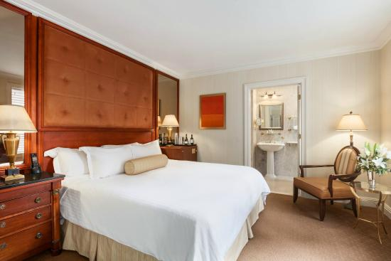 The Iroquois New York: Premier King Room
