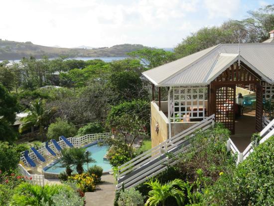Sugarapple Inn: hotel and Friendship Bay beach