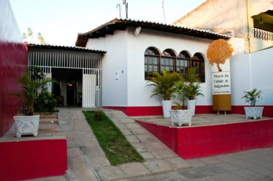 Salgueiro, PE: Fachada reformada do Museu
