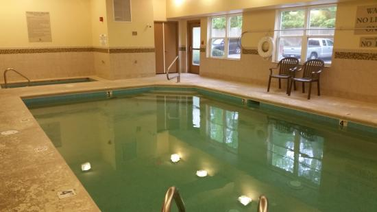 Country Inn & Suites by Radisson, Wilmington, NC: Indoor Pool and Hot Tub (very clean)