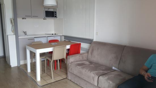 Residence Mer & Golf Sokoburu : Intérieur de l'appartement