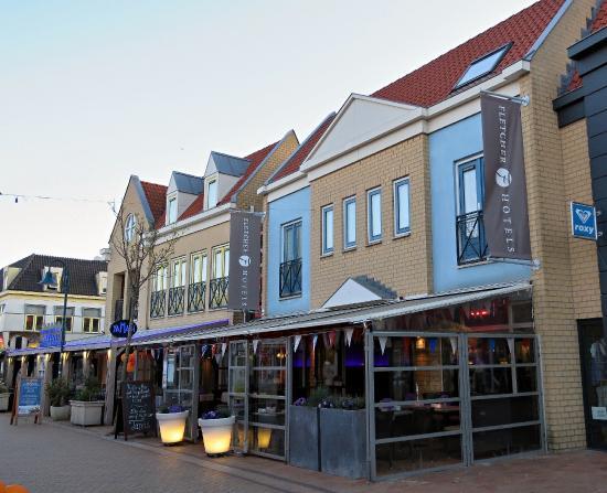 Fletcher Hotel-Restaurant De Cooghen : Het Vooraanzicht van het hotel.