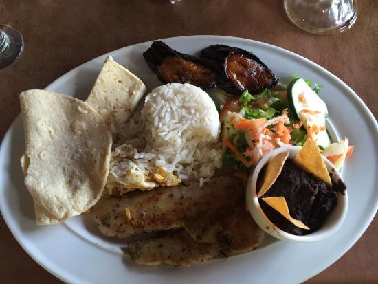 Restaurante especialidad en carnes: Grilled Chicken