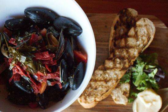 The Phoenix: Mussel Special
