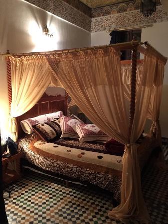 Riad Sara: ベッド