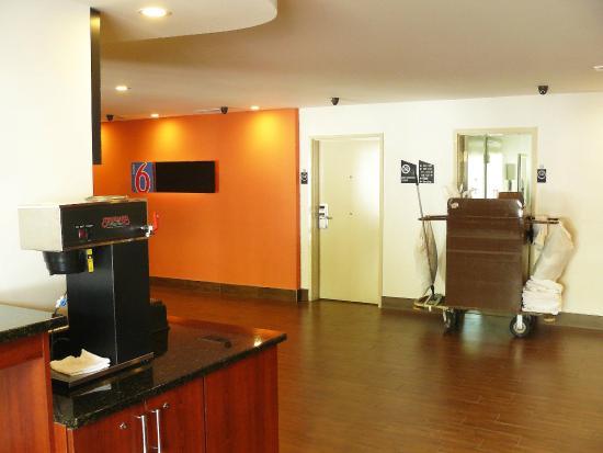 Motel 6 Atlanta Downtown: O espetacular café da manhã! Me senti no Savoy!