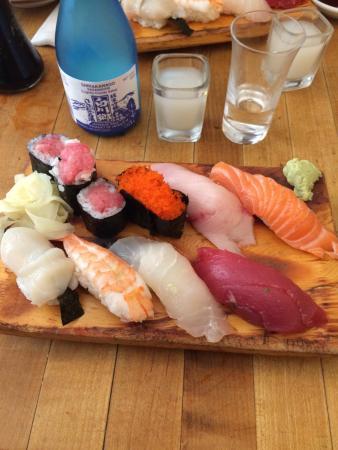 Tomoe Sushi: Melhor opção de japones no soho! Poucas opcoes porem Excelentes sakes!