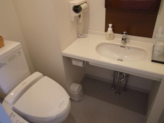 シャワートイレ完備水回りはおしゃれ感はないです 那覇市ホテル
