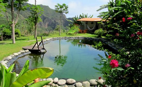 Aldeia manga updated 2017 prices guest house reviews for Garden pool reviews
