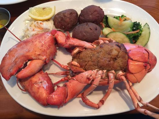 Mystic Boathouse: 1 1/2 lbs baked stuffed lobster
