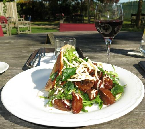 Petite Fleur at Seifried Estate: A slightly confused Asian Beef Salad