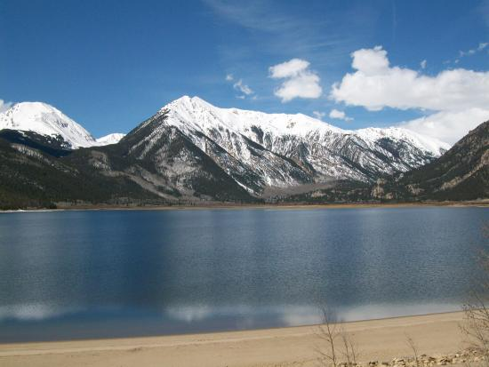 Twin Lakes: Views of the reservoir