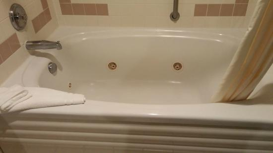 New Victorian Suites Lincoln : King Suite with whirlpool tub