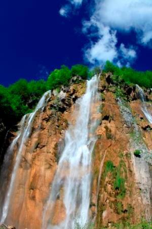 Sastavci: ピカイチの滝