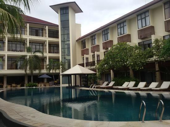 Best Western Resort Kuta: The pool
