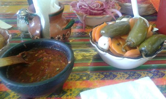 Las 9 Esquinas: Las salsas bien picosas....