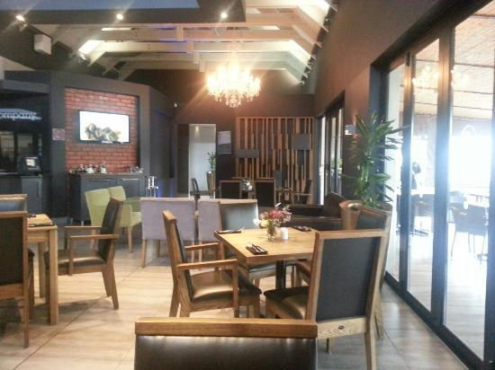 Grill & Company Restaurant: Lovely food and setting