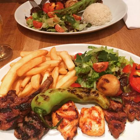 Cafe Trio: Mixed grill!! My favourite ��