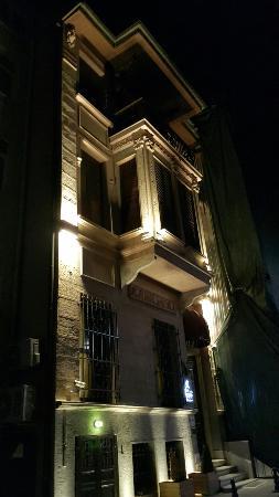 Celine Hotel: Gece görünüşü