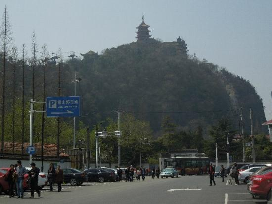 Wolf Mountain: 狼山